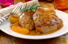 ALL-IN-ONE CHICKEN, PEACH AND ROSEMARY BAKE - Although they sound like an odd combo, when it comes to healthy dinner recipes, chicken, peaches and rosemary work really well together.