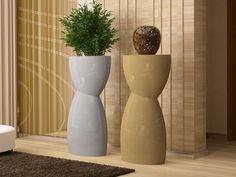 Colonne piedestal, mod: ROTTEM Planter Pots, Vase, Home Decor, Interior Design, Vases, Home Interior Design, Plant Pots, Home Decoration, Decoration Home
