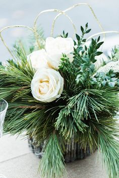 Natural Winter Holiday Wedding Tablescape Decor Ideas in Green and White - Alicia Wiley Photography & Intrigue Designs http://www.confettidaydreams.com/natural-winter-holiday-wedding-decor-ideas-in-green-white/