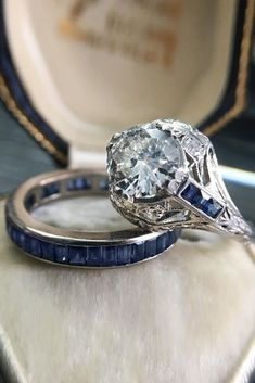 Art Deco Engagement Rings For Fantastic Look ❤️ art deco engagement rings round cut wedding set ❤️ More on the blog: https://ohsoperfectproposal.com/art-deco-engagement-rings/