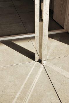 Barcelona Pavilion by Mies Van Der Rohe Stainless steel clad column & travertine floor Sophistication & Precision Ludwig Mies Van Der Rohe, Detail Architecture, Art And Architecture, Victorian Architecture, Villa Tugendhat, Luigi Snozzi, Nachhaltiges Design, Interior Design, Steel Detail