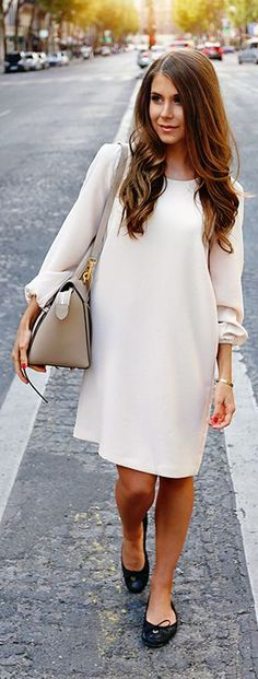 Neutrals, classic bag dress. Purse and flats pair perfectly with this simple and sweet look