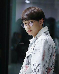 I'll call 911 . Thai Tea, Thai Drama, My Boyfriend, Actors & Actresses, Thailand, Handsome, My Love, Boys, Artist