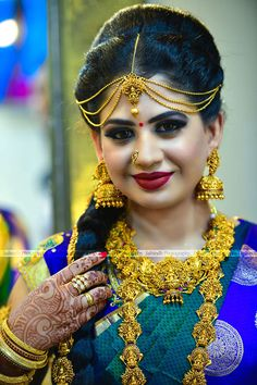 Best Bridal Makeup In Madurai Beautiful Girl Indian, Beautiful Girl Image, Beautiful Gorgeous, Beautiful Indian Actress, Beautiful Ladies, Bengali Bridal Makeup, Best Bridal Makeup, Indian Wedding Photography Poses, Photography Poses Women