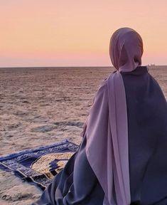 Modest Fashion Hijab, Muslim Fashion, Hijabi Girl, Girl Hijab, Hijab Fashion Inspiration, Mode Inspiration, Muslim Girls, Muslim Women, Niqab