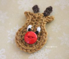 Crochet Reindeer Applique Pattern - Repeat Crafter Me , thanks so for share xox… Crochet Christmas Decorations, Crochet Ornaments, Christmas Crochet Patterns, Holiday Crochet, Crochet Crafts, Crochet Projects, Christmas Flowers, Crochet Christmas Hats, Christmas Stocking