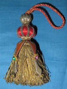 . Lucet, Textiles, Passementerie, Velvet Curtains, Antique Clothing, Colour Schemes, Fringes, Dressmaking, French Antiques