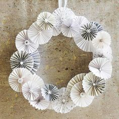 Paper-white DIY wreath