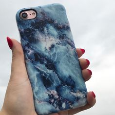 These rainy days ☔️ Marble Case in Geode for iPhone 7 & iPhone 7 Plus from Elemental Cases