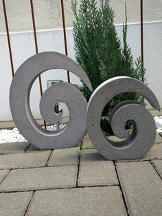 Concrete mold – EI-SPIRALE Material: Styrodur Height: 35 cm Width: 30 cm Depth: 6 cm Also available in your favorite size! In the pictures you can see the form to be acquired … Cement Garden, Concrete Planters, Garden Art, Concrete Casting, Concrete Cement, Concrete Crafts, Concrete Projects, Papercrete, Concrete Jewelry