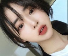 10 images about – ULZZANG ␣ ICONS ! ᝂ on We Heart It | See more about asian, female and icon Korean Makeup Tips, Korean Makeup Tutorials, Asian Makeup, Beauty Tutorials, Eyeshadow Tutorials, Simple Prom Makeup, Natural Prom Makeup, Glam Makeup, Bridal Makeup