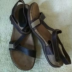 Naturalizer Sandals Size 7 M Preowned Great Condition Naturalizer Shoes Sandals