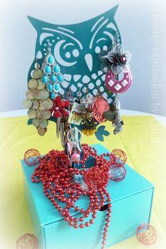 Owl jewelry stand