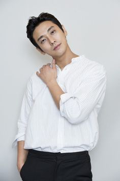 how did he know that my fatal weakness is him in an over-sized white shirt exactly like that Korean Star, Korean Men, Korean Actors, Cute Actors, Handsome Actors, Princess Hours, Handsome Asian Men, Drama Korea, Korean Drama