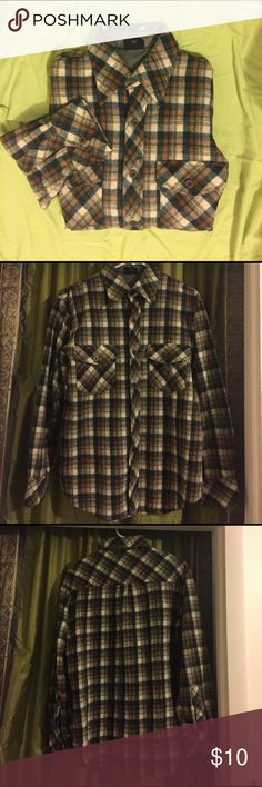 Lumber Jack Wool Shirt The tears are shown in the photos. No stains. 100% Wool Shirts Casual Button Down Shirts