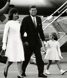 Jackie, JFK and Caroline (new USA Ambassador in Japan). http://1502983.talkfusion.com/product/