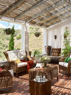 Outdoor Living: El Carligto Estates in Andalucia, Spain via www. Patio Pergola, Pergola Shade, Patio Roof, Pergola Plans, Pergola Kits, Pergola Ideas, Porch Ideas, Cheap Pergola, Backyard Ideas