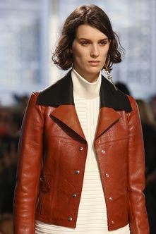Details at Louis Vuitton Autumn-Winter 2014 Women Fashion Show #PFW #RTW #AW14 #LouisVuitton #LVMH via vogue.fr