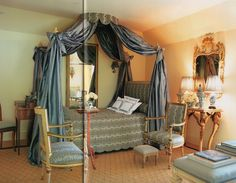 sweet ~ Carolyne Roehm's 3rd floor blue guest room in Connecticut