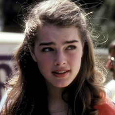 Immagine di beautiful, beauty, and brooke shields Most Beautiful Faces, Beautiful Eyes, Beautiful Women, Brooke Shields Young, Pretty Baby, Girl Crushes, Pretty People, My Hair, Hollywood