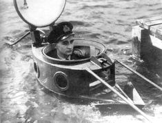 Midget Submarine, Battle Ships, Wwii, Diving, Boats, Aircraft Carrier, Submarines, Underwater, Sailors