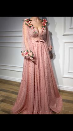 Gorgeous flowery gown by Teuta Matoshi Duriqi. She's super talented