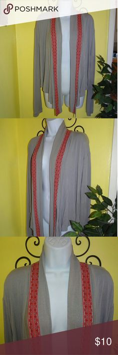 Urban Outfitters Silence + Noise Gray Cardigan This item is used but still in good condition. Silence + Noise gray cardigan from Urban Outfitters in woman's size medium. It's a high low style. Very lightweight and stretchy. Hardly worn. Urban Outfitters Sweaters Cardigans