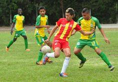 fútbol aficionado en el Diocesano de Dosquebradas