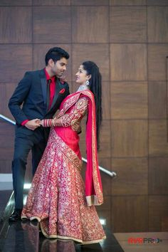 These Monotone Lehengas Are A Classic Alternative To Sarees Indian Wedding Couple Photography, Couple Photography Poses, Bridal Photography, Dream Photography, Couple Wedding Dress, Wedding Couple Photos, Wedding Couples, Wedding Men, Pre Wedding Poses