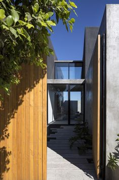 Gallery of TLP House / T38 studio - 11