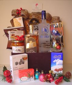 Holiday Gift Baskets, Wine Gift Baskets, Holiday Gifts, Coffee Baskets, Things To Do In Kelowna, Golf Drawing, Smoked Oysters, Real Estate Gifts, Wine Cellars