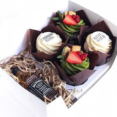 Cupcakes For Sale, Yummy Cupcakes, Mini Cakes, Cupcake Cakes, Cop Cake, Food Bouquet, Cupcake Factory, Dessert Boxes, Cake Pops