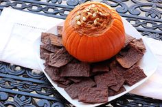 Enjoy this delicious #Pumpkin and Almond Butter Dip using #Justins Maple Almond Butter. It's the perfect sweet snack. #recipes #fall #snack