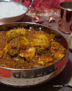 Chicken Chitarnee, an Indian Jewish Curry, is an onion and tomato based curry spiced up with a very few Indian spices and lots of lemon juice and vinegar. Jewish Recipes, Indian Food Recipes, Asian Recipes, Ethnic Recipes, Indian Chicken Recipes, Curry Spices, Curry Dishes, India Food, Indian Dishes