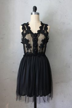 Peony Dress in Black - Cocktail dress with lace embroidered bodice //