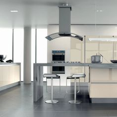 High gloss kitchen Doors are visually stunning, hard-wearing and epitomise a modern home. With lighter colours in particular, gloss reflects natural light and creates a sense of space. Combine this with a simple slab or handleless door and the effect is accentuated. If you have a small kitchen or a kitchen with little natural light, this on-trend look could be the very thing. Check out Zurfiz in Ultragloss Cream - shown here in a stylish True Handleless kitchen design. Cream can be stunning! High Gloss Kitchen Cabinets, Kitchen Cabinet Doors, Light Colors, Colours, Handleless Kitchen, Natural Light, Lighter, Kitchen Design, Cream