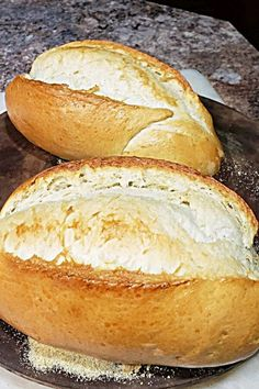 """Wonderful Italian bread made in a bread machine then baked in the oven."" Italian Bread Using a Bread Machine - Italian Bread Using a Bread Machine Easy Bread Machine Recipes, Best Bread Machine, Bread Maker Recipes, Easy Bread Recipes, Great Recipes, Bread Machine Italian Bread Recipe, Same Day Bread Recipe, Beef Recipes, Bread Machine Rolls"