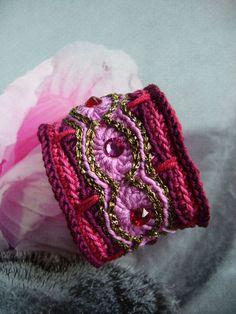 Armbänder - ••• Armband crochet-bracelet Häkelarmband ••• - ein Designerstück von crochet bei DaWanda