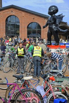 Pas de vélo ? Pas envie de mettre trop cher ? Rendez-vous chaque année courant mai à la braderie du vélo organisée à l'occasion de la Fête du Vélo, Gare St So.