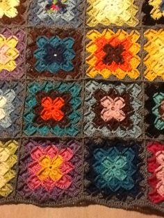 I have never seen the wool eater pattern used as squares