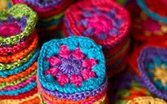 New yarn. Crochet Squares, Crochet Granny, Crochet Stitches, Crochet Hooks, Knit Crochet, Crochet Blankets, Granny Square Blanket, Granny Squares, Crochet Crafts
