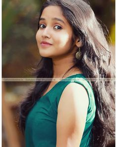 Photo by Anikha surendran - - Uploaded on Sunday of February 2019 PM Beautiful Girl Wallpaper, Beautiful Girl Photo, Beautiful Girl Indian, Beautiful Indian Actress, Beautiful Actresses, Beautiful Saree, Simply Beautiful, Beauty Full Girl, Cute Beauty