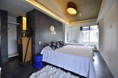 Dormitorios de estilo Moderno por HECHER YLLANA ARQUITETOS