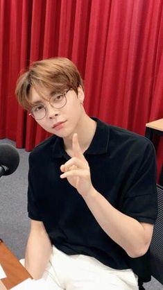 [Changlix] - fiction messages - w/ Minho, Jisung, Félix, Hyunjin, Jeo… Nct Johnny, Johnny Seo, Winwin, Taeyong, Grupo Nct, Chicago, Jaehyun Nct, Jung Woo, Kpop