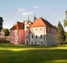Koloděje nad Lužnicí chateau (South Bohemia), Czechia Prague, Historical Monuments, European Countries, Czech Republic, Homeland, Countryside, Medieval, Places To Visit, Sketches
