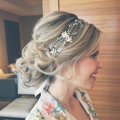 """Ooo la la whimsical romance!!! Jenna looking #magical in a light wispy #updo by Julie. Adoring this #hairaccessory by #twigsandhoney from @garnishboutique…"""