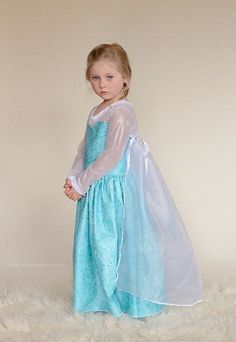 Elise's Everyday Princess Dress PDF Pattern (for sizes 4 and 5) Knit Bodice & Sleeves: 1 yd Sweetheart Bodice & Back: 1/2 yd Skirt: 1 yd Cape: 3/4 to 1 1/3 (based on desired length)