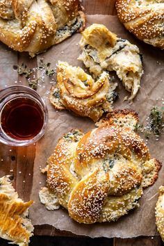 spinach and artichoke stuffed soft pretzels - January 14 2019 at - Amazing Ideas - and Inspiration - Yummy Recipes - Paradise - - Vegan Vegetarian And Delicious Nutritious Meals - Weighloss Motivation - Healthy Lifestyle Choices I Love Food, Good Food, Yummy Food, Vegetarian Recipes, Cooking Recipes, Roast Recipes, Chicken Recipes, Steak Recipes, Shrimp Recipes