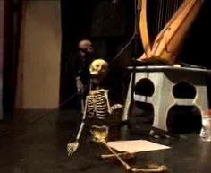 à L'Atelier de marionettes de Pepe Otal, à Barcelone,  2012 Marionette, Silk Road, Harp, Concert, Puppets, Singer, Music, Death, Skeleton