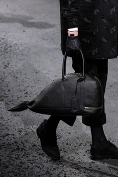 Thom Browne Fall 2015 Menswear Fashion Show Novelty Bags, Bagdad, Thom Browne, Looks Style, Fall 2015, Clutch Bag, Whale, Leather Bag, Bag Accessories